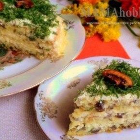 Грибной пирог со сливочным соусом